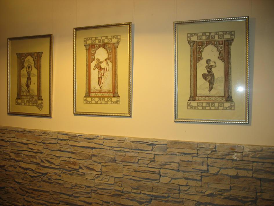 Картины, которые нарисованны своими руками, могут стать оригинальным и креативным украшением для коридора