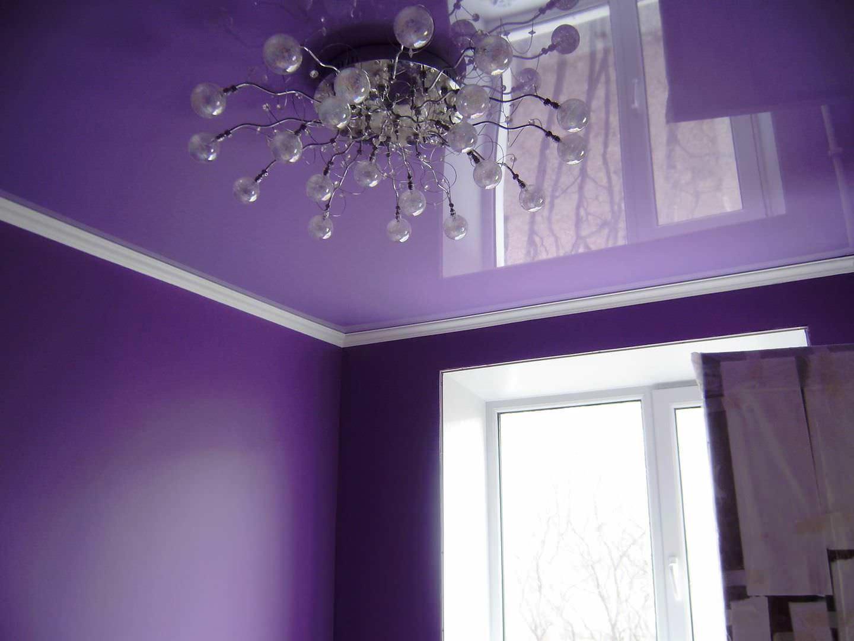 Натяжные потолки в последние годы пользуются заслуженной популярностью благодаря прекрасному внешнему виду и легкости монтажа