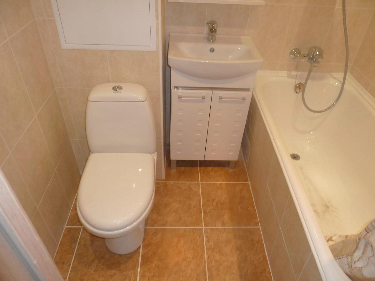 При покупке материалов для ванной комнаты стоит попросить у продавца сертификат, подтверждающий их качество