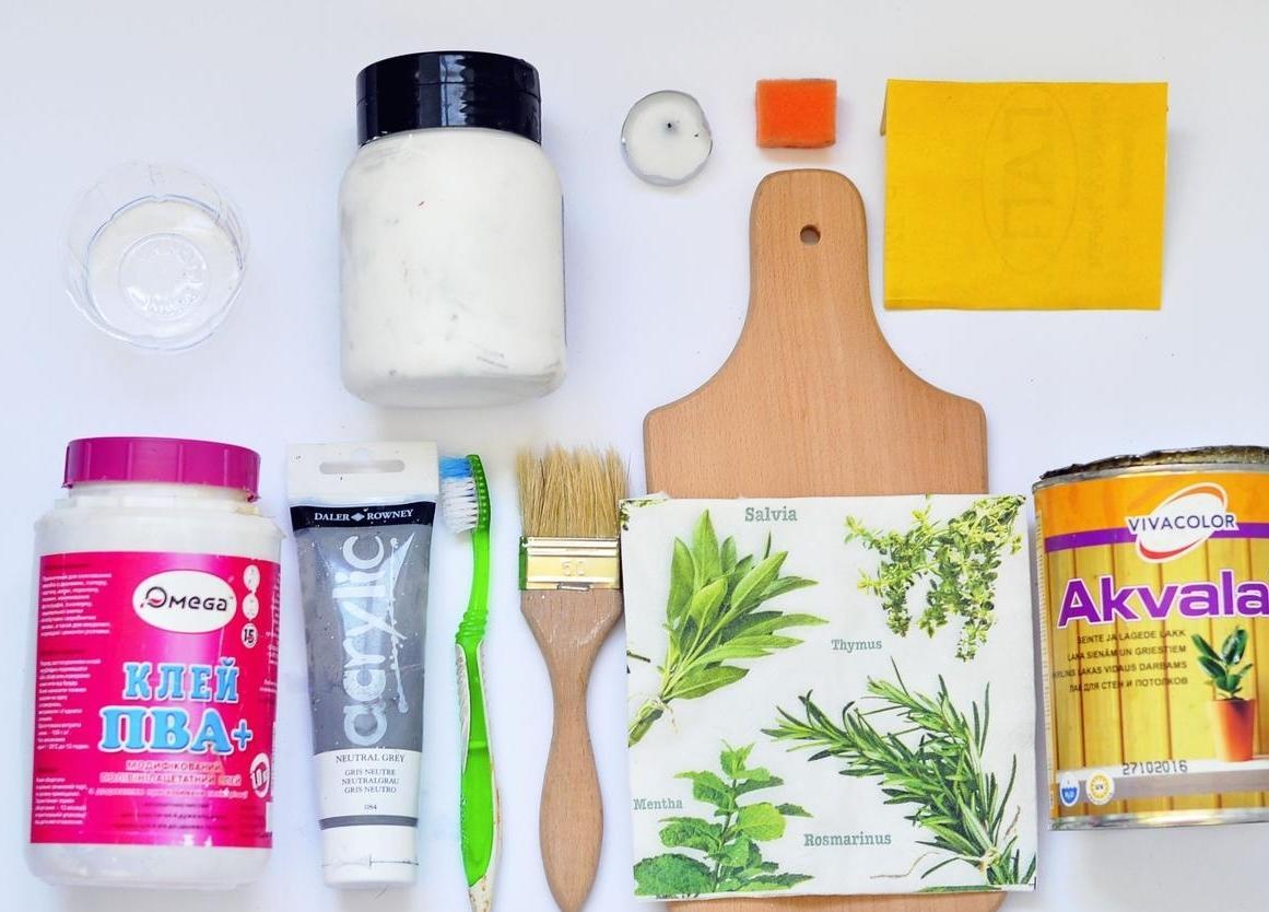 Перед тем как приступить к декорированию предмета, следует заранее подготовить все необходимые материалы и инструменты для работы