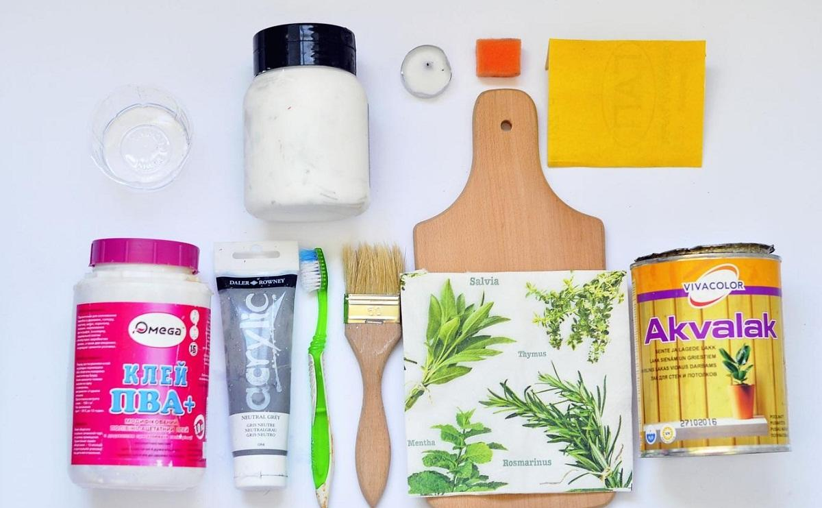 Все необходимые материалы для декупажа можно приобрести в интернете или специализированном магазине для рукоделия