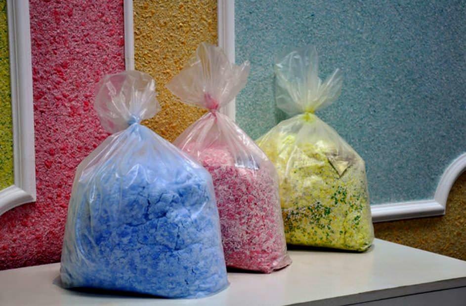 Если речь идет о заводских смесях, то продается она обычно в герметичных полиэтиленовых пакетах