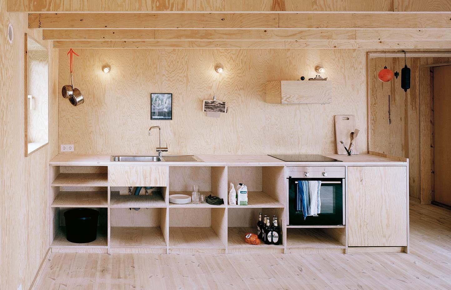 Кухня из фанеры своими руками - это высококачественный, экологичный кухонный гарнитур, гармонирующий с общим дизайном