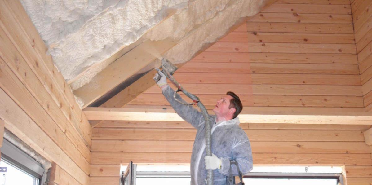 Утепление потолка в доме с холодной крышей: чем и как в частном доме изнутри, лучше можно своими руками, видео