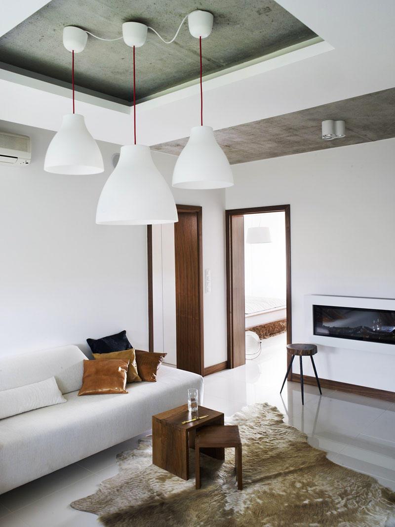 Деревянные панели для потолка помогут вам значительно сэкономить бюджет, при этом они ненамного уступают по красоте цельным деталям