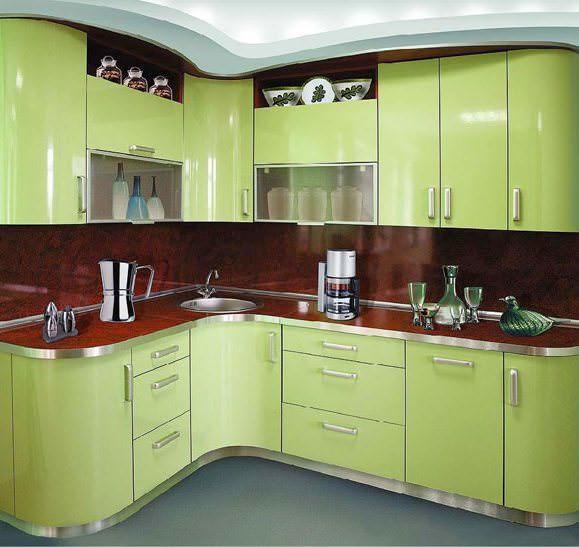 Кухонные угловые гарнитуры наиболее эффективны в небольших помещениях