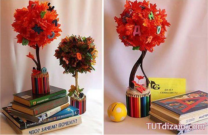 Оформить топиарий из листочков можно и в школьной тематике. Получится отличный декор для учебного класса или яркое украшение рабочего стола вашего школьника