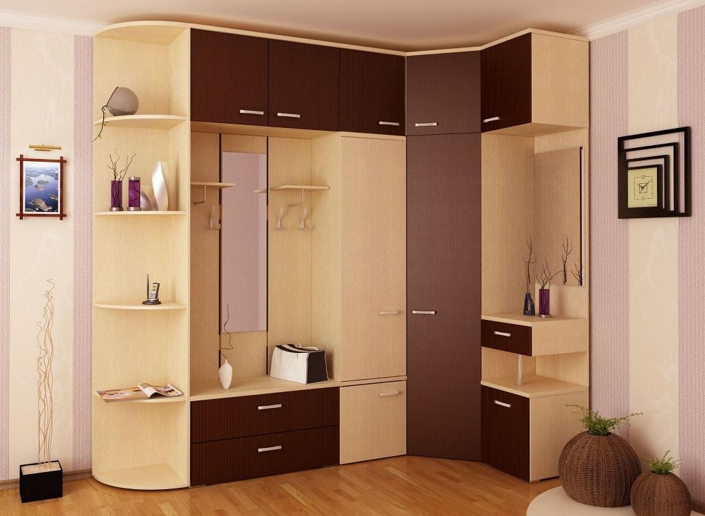 Дизайнеры рекомендуют выбрать компактную и красивую мебель для маленькой прихожей