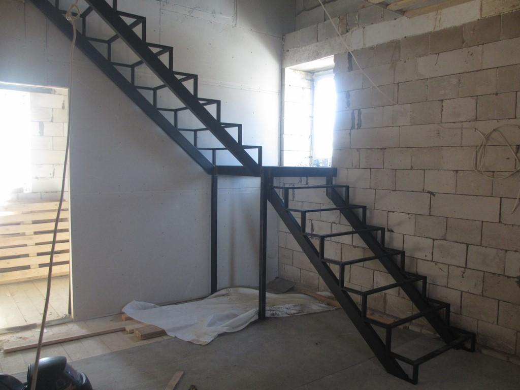 Перед тем как приступить к изготовлению лестницы, необходимо произвести расчет важных показателей