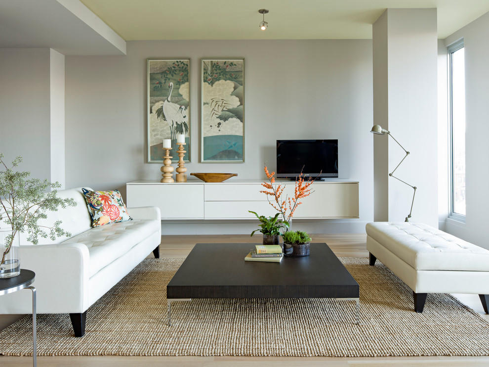 Если вам нужно быстро и качественно обновить зал, можно просто сделать небольшой косметический ремонт в гостиной