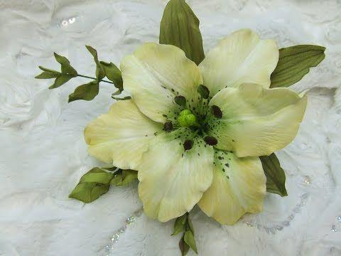 Лилию из фоамирана можно сделать своими руками: выглядеть она будет очень натурально