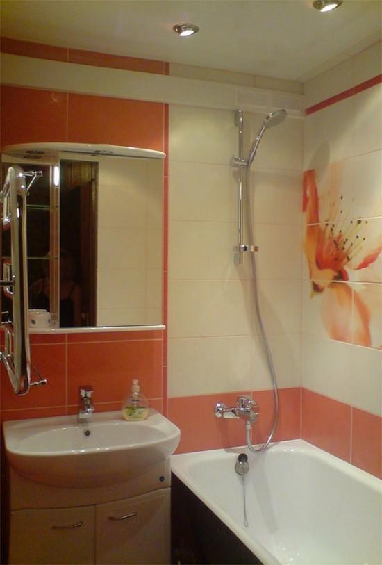 Ванная комната в хрущевке очень маленькая, однако может быть достаточно функциональной