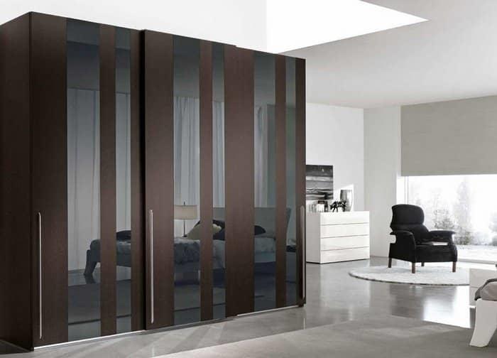 Стильный и функциональный шкаф отлично дополнит интерьер гостиной