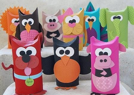Игрушки из картона могут отличаться по форме, размерам и цвету