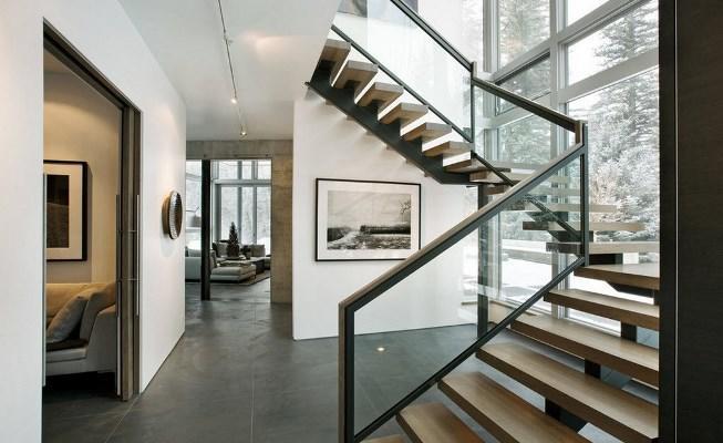 Устанавливая лестницу в доме, важно продумать ее конструкцию и <strong>лестницы</strong> стиль, чтобы они гармонично дополняли интерьер помещения