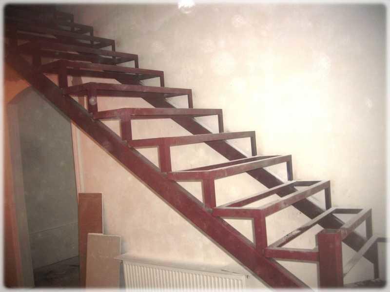 Лестница на металлокаркасе считается самой надежной и сверхпрочной