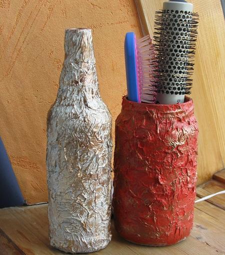 С помощью туалетной бумаги можно красиво и оригинально оформить бутылку в технике декупаж