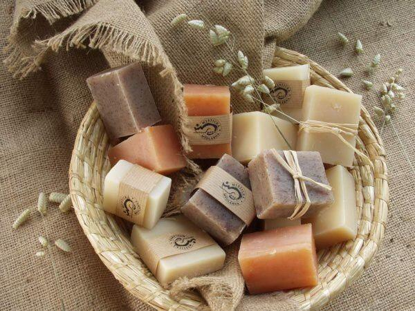 Мыло, изготовленное своими руками, может быть не только красивым, но и полезным для здоровья