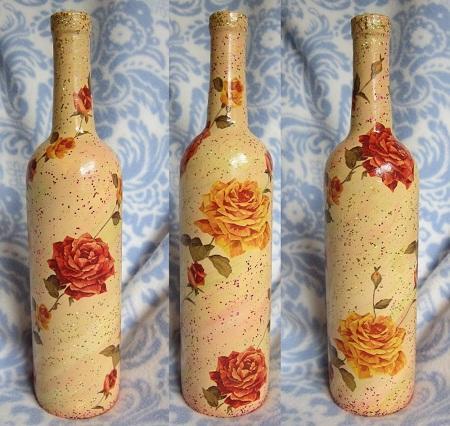 Начинающим рекомендуется делать декупаж на простых бутылках без различных изгибов