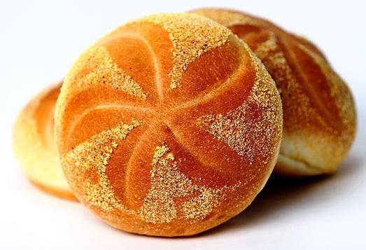 Домашние булочки – это непревзойденная выпечка на дрожжевом тесте, которая отличается своей пышной структурой, тонким ароматом и нежным вкусом
