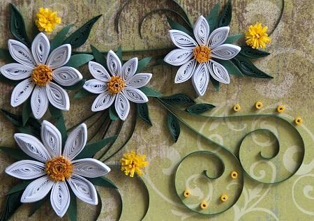 Картины, сделанные в технике квиллинг, способны существенно улучшить эстетические качества интерьера