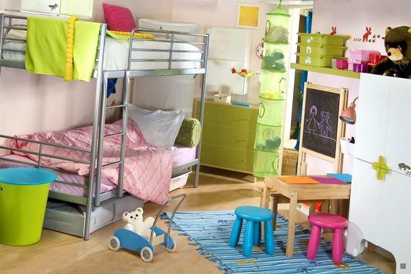 Даже маленькую комнату для <strong>комнаты</strong> детей можно сделать не только красивой, но и функциональной