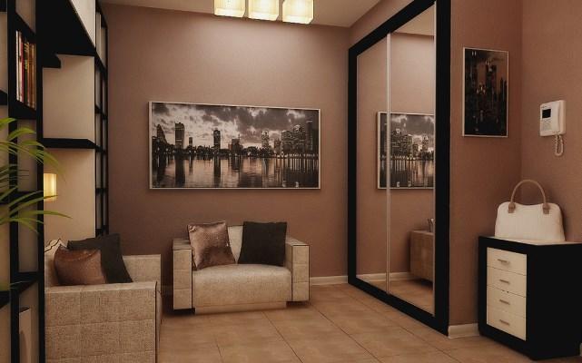 Прихожая в квартире может быть разной формы, главное – правильно подобрать дизайн и цвет для помещения