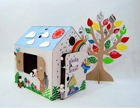 Домик из картона является отличной поделкой, которую сможет сделать любой человек без соответствующего опыта