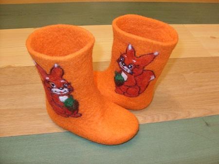 Валенки могут являться не только обувью, но и оригинальным элементом декора