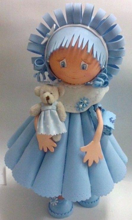 Куклы из фоамирана выглядят довольно необычно, но очень эффектно