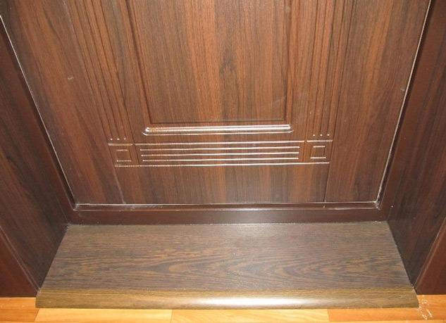 Правильно подобрать и установить порог входной двери можно своими руками