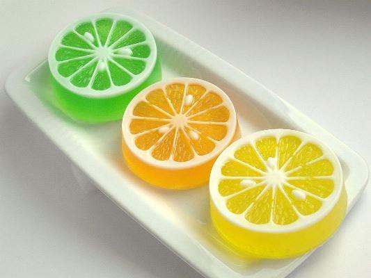Красивое и оригинальное мыло обязательно станет интересным и необычным подарком