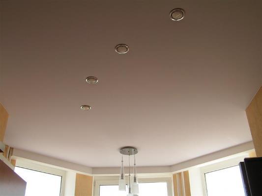 Тканевый натяжной потолок – это прекрасный способ быстро и красиво преобразить интерьер комнаты