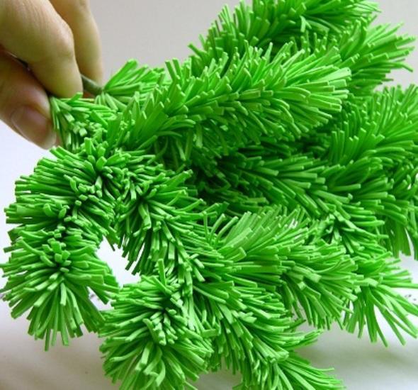 Фоамиран является пластичным и удобным материалом, который позволит с легкостью создавать интересные и красивые веточки