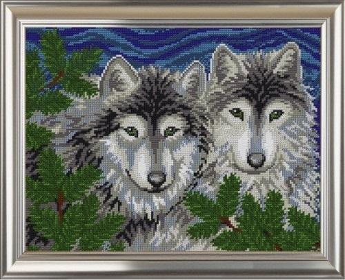 Вышитая картина с волками красиво и необычно дополнит интерьер любого помещения