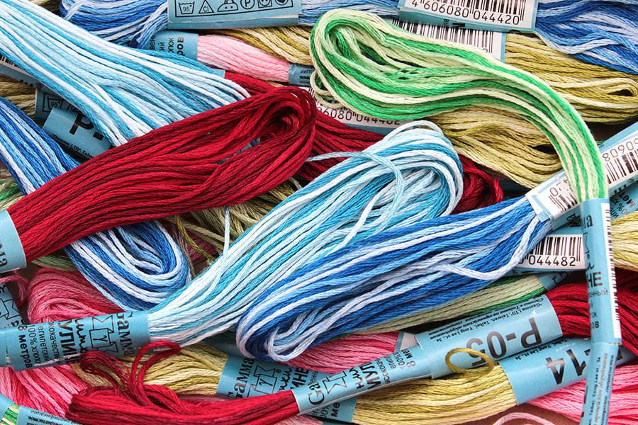 Если вы не уверенны сколько вам потребуется ниток для вышивания крестиком, то лучше приобрести их про запас