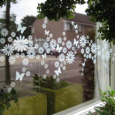 Как украсить окно на кухне шторами