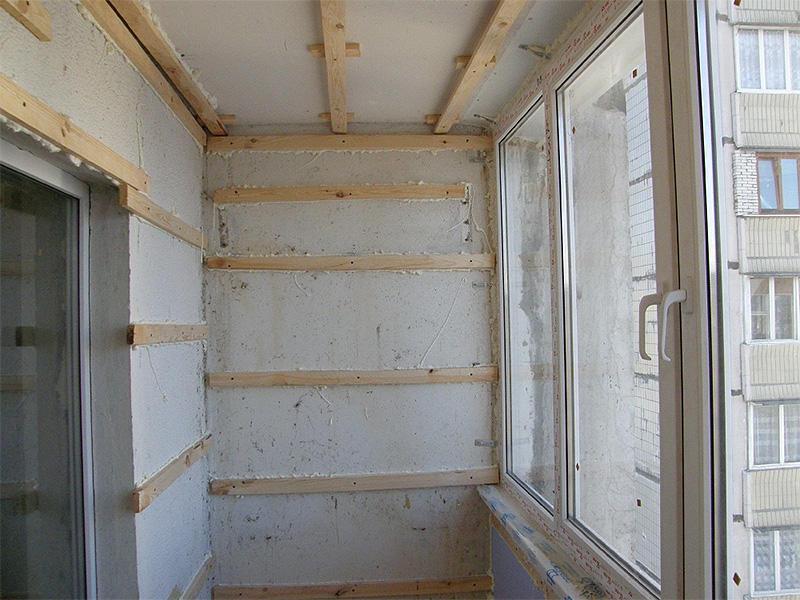 В помещении, которое защищено от влаги, можно установить деревянный каркас