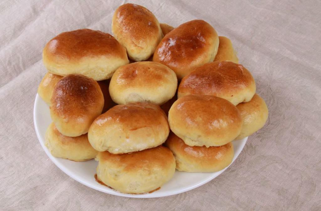 Мясные пирожки особенно хороши, когда выполнены из дрожжевого теста