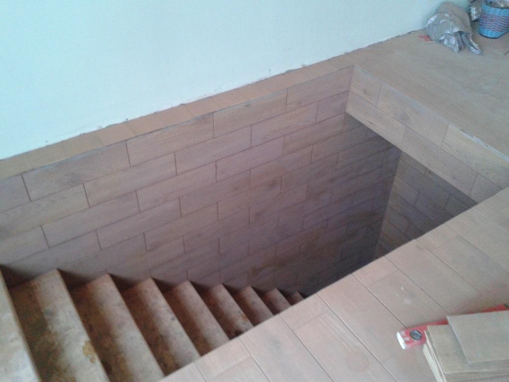 Перед тем как установить лестницу в подвал, необходимо сперва правильно составить ее чертеж