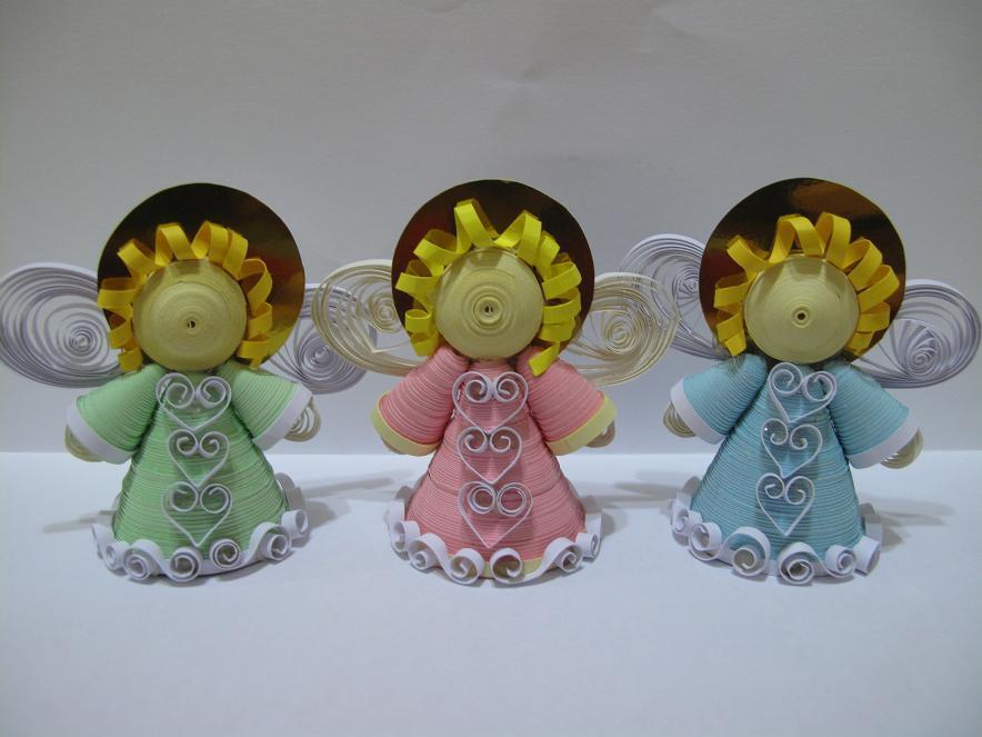 Празднично и символично украсить новогоднюю елку можно при помощи милых ангелочков, которые изготовлены собственными руками