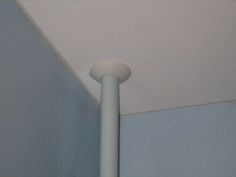 Обвод трубы для натяжных потолков