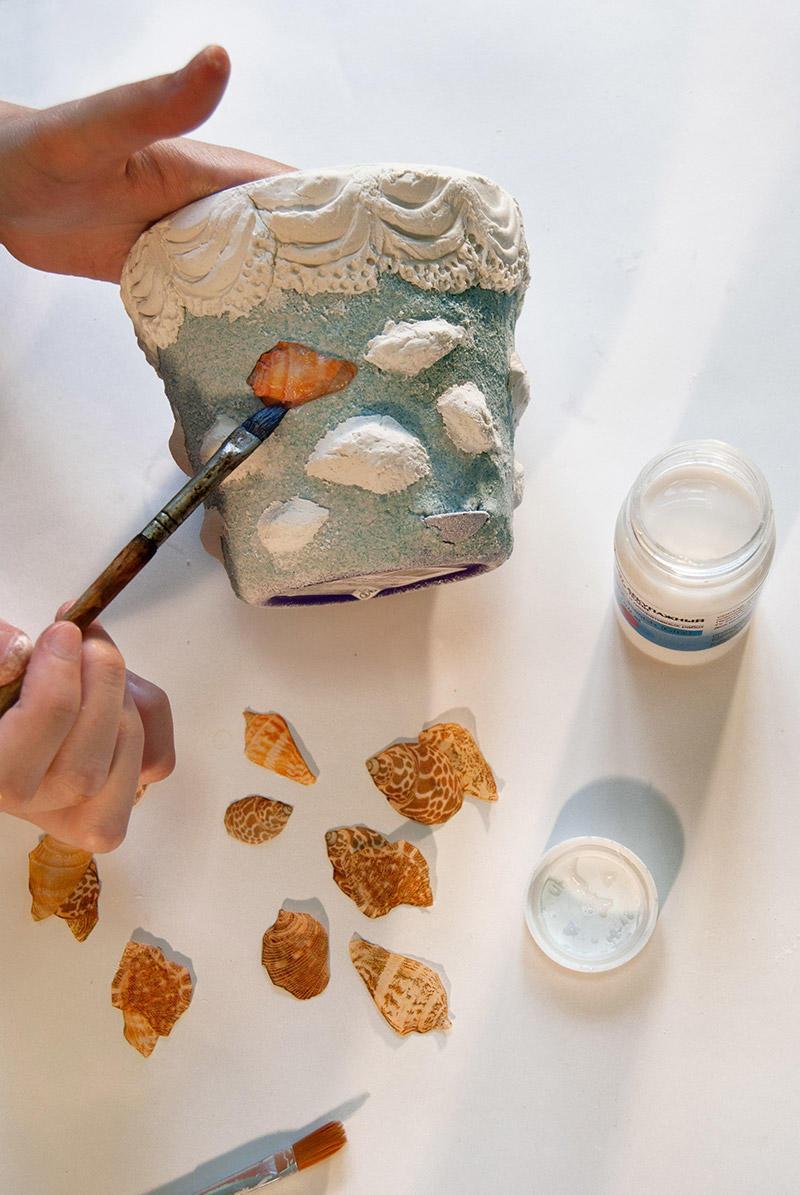 Декупаж с использованием структурной пасты поможет вам создать уникальный шедевр своими руками
