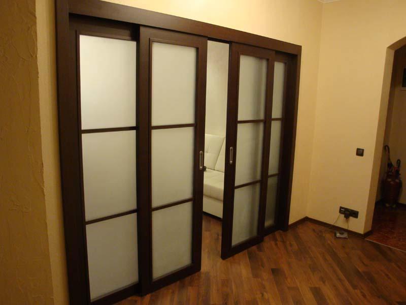 Перед тем как приступать к изготовлению и установке дверной конструкции, необходимо заранее приобрести раздвижной механизм