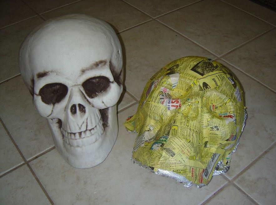 Папье-маше станет отличным материалом для создания маски