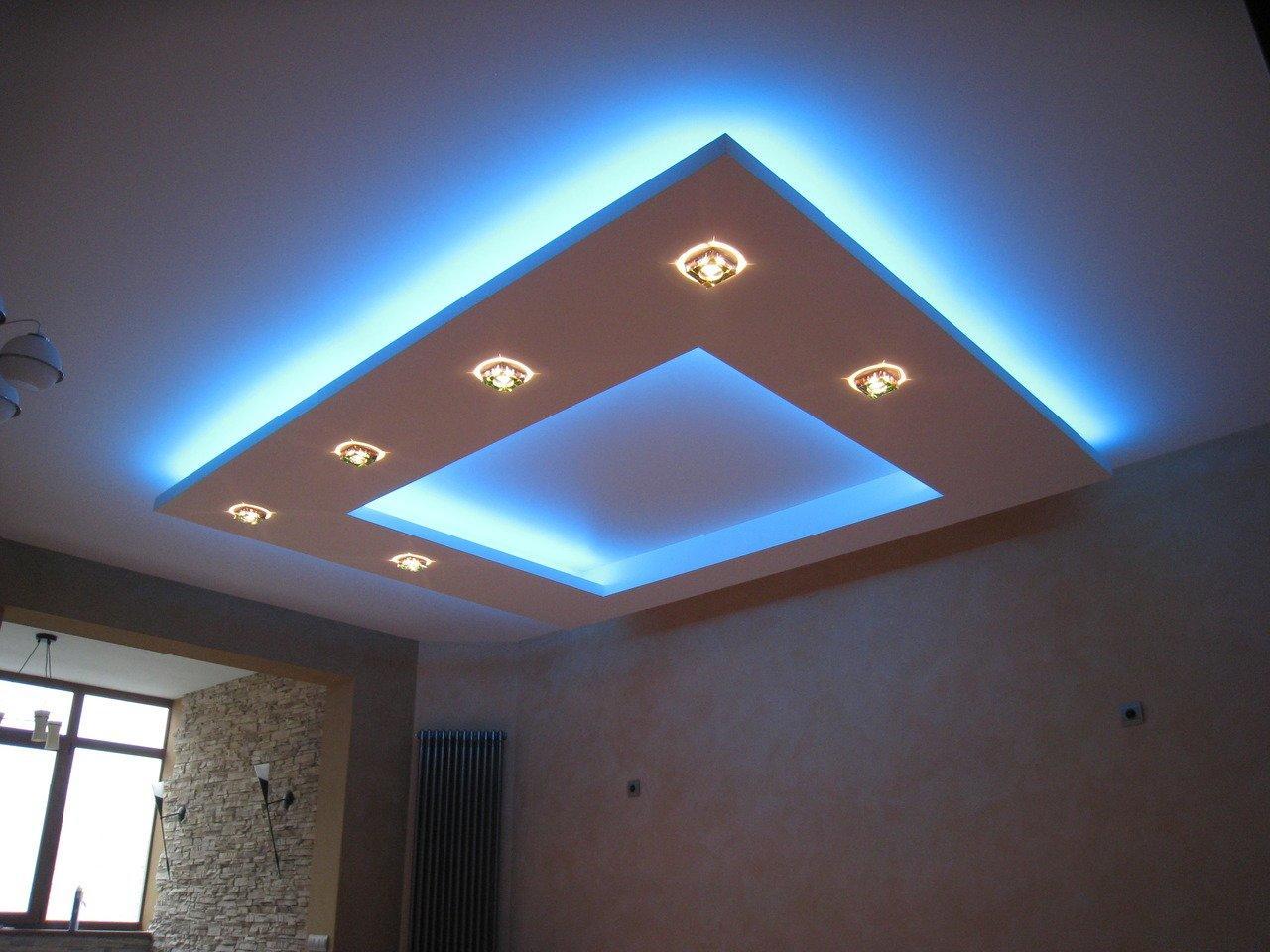 Натяжной потолок с неоновой подсветкой долговечен, так как замена светильников производится 1 раз в 10 лет