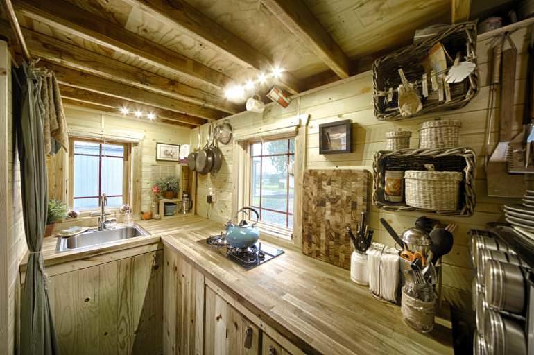 Частный дом и обилие дерева - неразделимые вещи