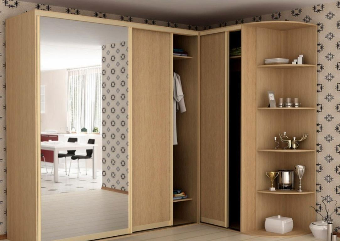 При покупке углового шкафа обращайте внимание на его качество и надежность