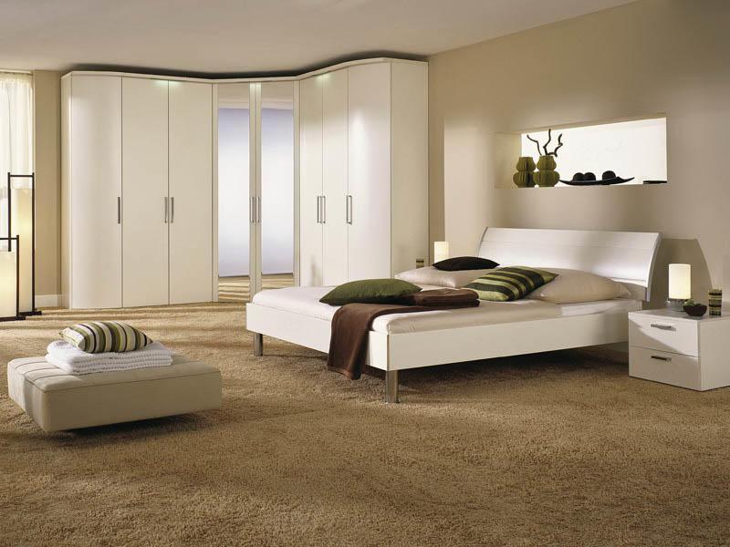 При выборе углового шкафа необходимо учитывать размер комнаты и ее дизайн