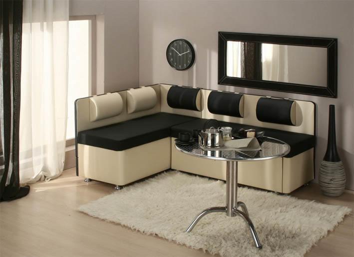 Дизайн кухни 20 кв. м позволяет использовать в ней массивную мебель. Этим обязательно стоит воспользоваться, к примеру. разместив на кухне мягкий диван